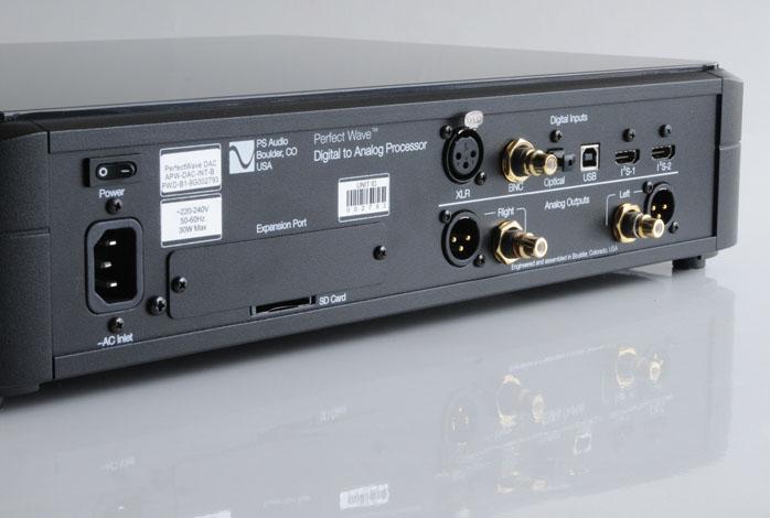 6MOONS | Metrum Acoustics™ GLOBAL