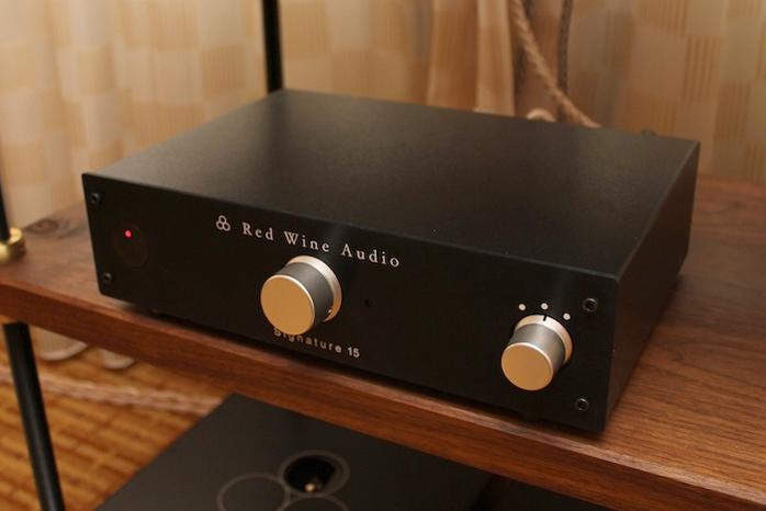 Red John Signature: 6moons Audio Reviews: Red Wine Audio Signature 15