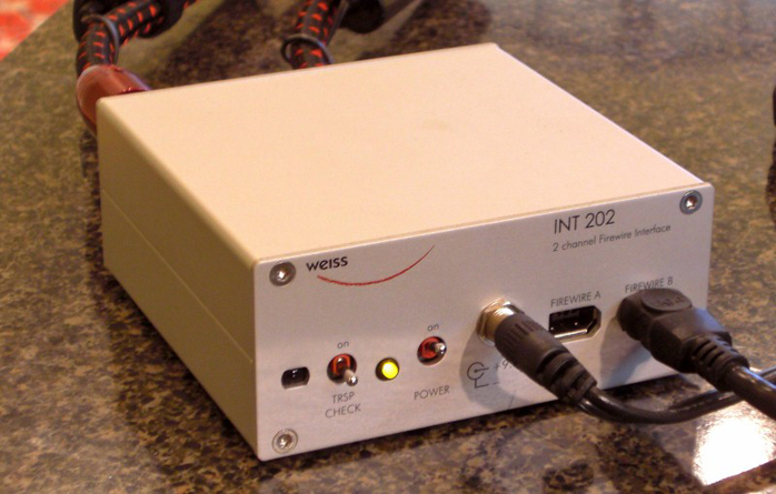 6moons audio reviews: Weiss INT 202