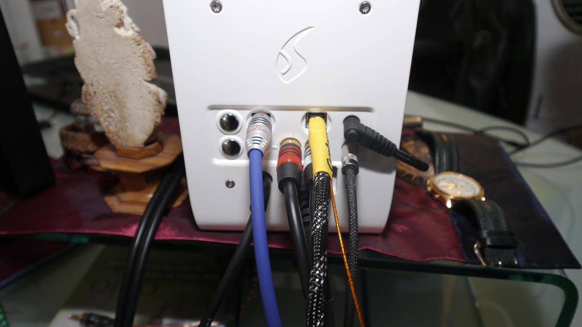 6moons Audioreviews Curious Cables Usb Audio Wiring Now I Remembered The Latters 10 20 Switch In Back Set It To Which Duly Confirmed Audiomidi And Puremusic As Being Limited 96khz
