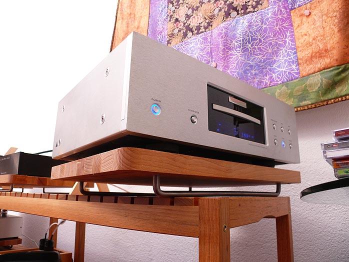 industry features audiophile destination ikea. Black Bedroom Furniture Sets. Home Design Ideas